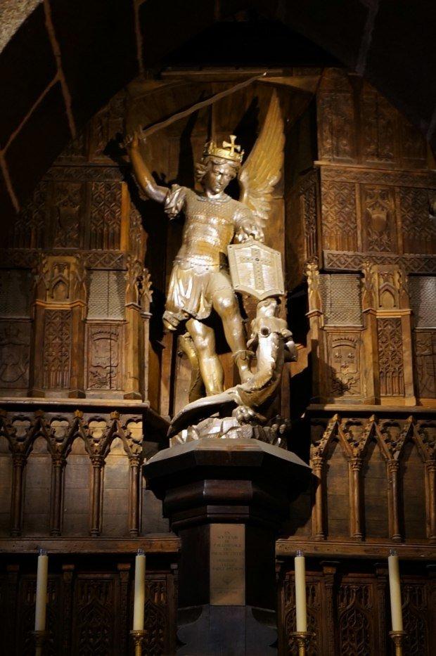 大天使,聖米歇爾,聖米歇爾雕像